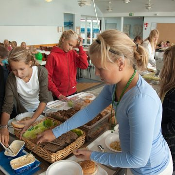Which is the first country in the world to provide free school meals?